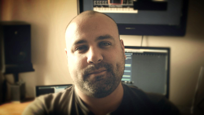 Ross Headshot 2_edited