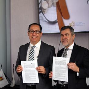 Firma del Convenio de Colaboración entre el Colegio Nacional de Abogados Municipalistas y el Institu