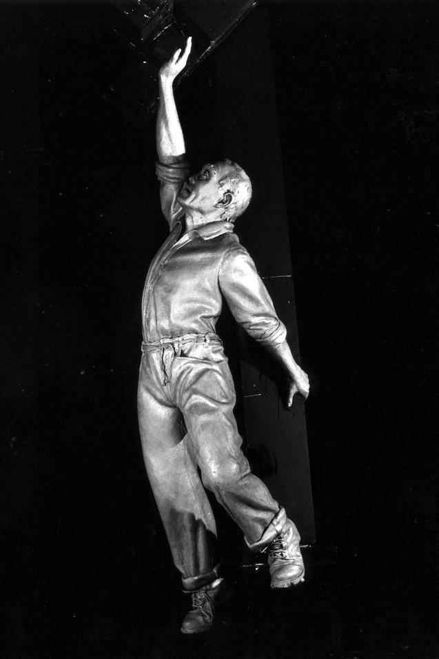 Lower Figure 1989 (Roy Lee)