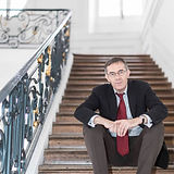 Paul escaliers Palais_edited.jpg