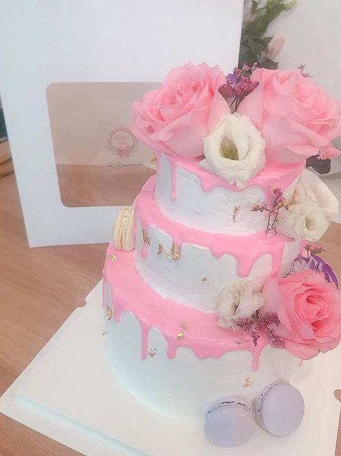 三層結婚蛋糕  鮮花配金萡