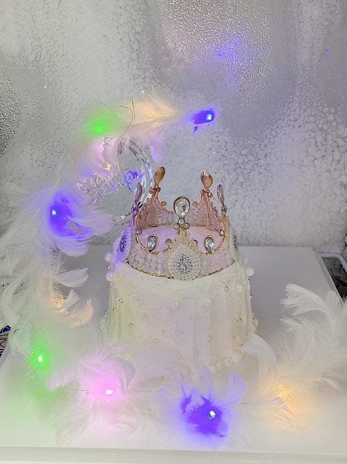 純白羽毛珍珠皇冠蛋糕