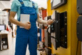 plumber-buying-boiler-with-furnace-plumb