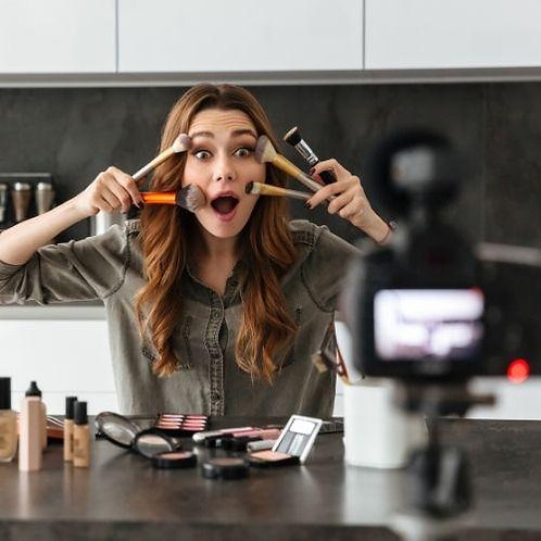 VIDEO Course   How to Make Natural Makeup   DIY Organic Makeup