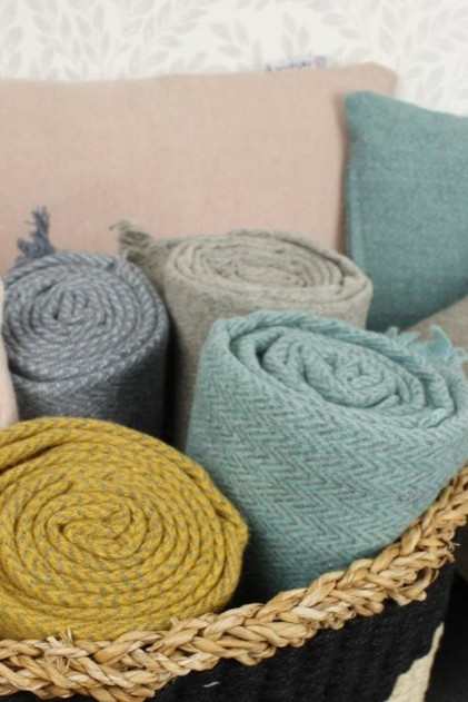 zig-zag-wool-throw-with-fringe-aqua%20(1