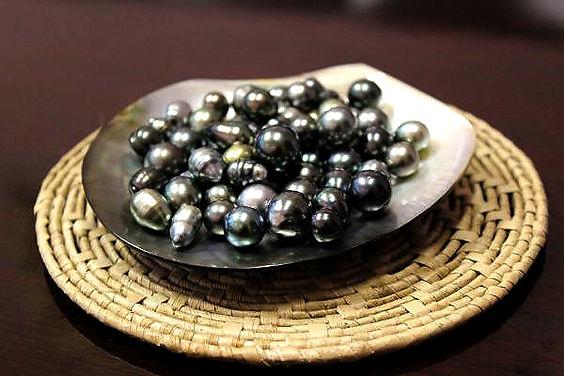 Namdrik black pearls.jpg
