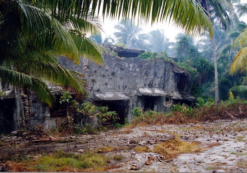 Wotje Japanese bunker WW2 - 1990.jpg