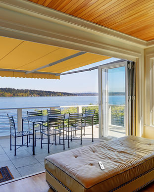 awning_screen_lakeview_balcony.jpg