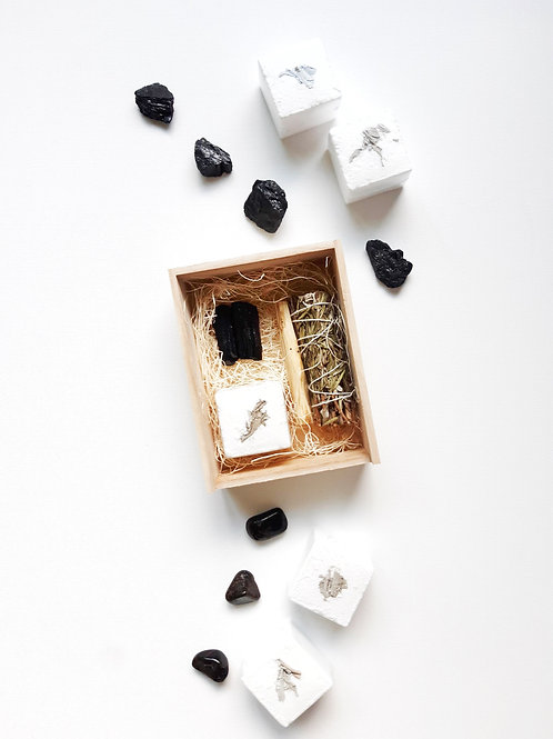 Black Tourmaline Bundle Wood Box