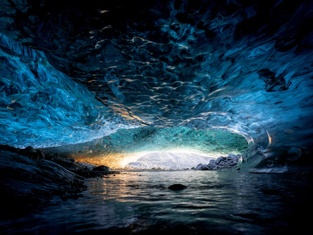 How to avoid crowds when visiting the Ice Caves?
