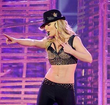 Britney-Spears-Spray-Tan-Abs-1.jpeg