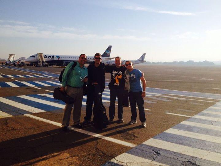 Partindo pra mais um voo com meus parceiros!!!viva a música brasileira!