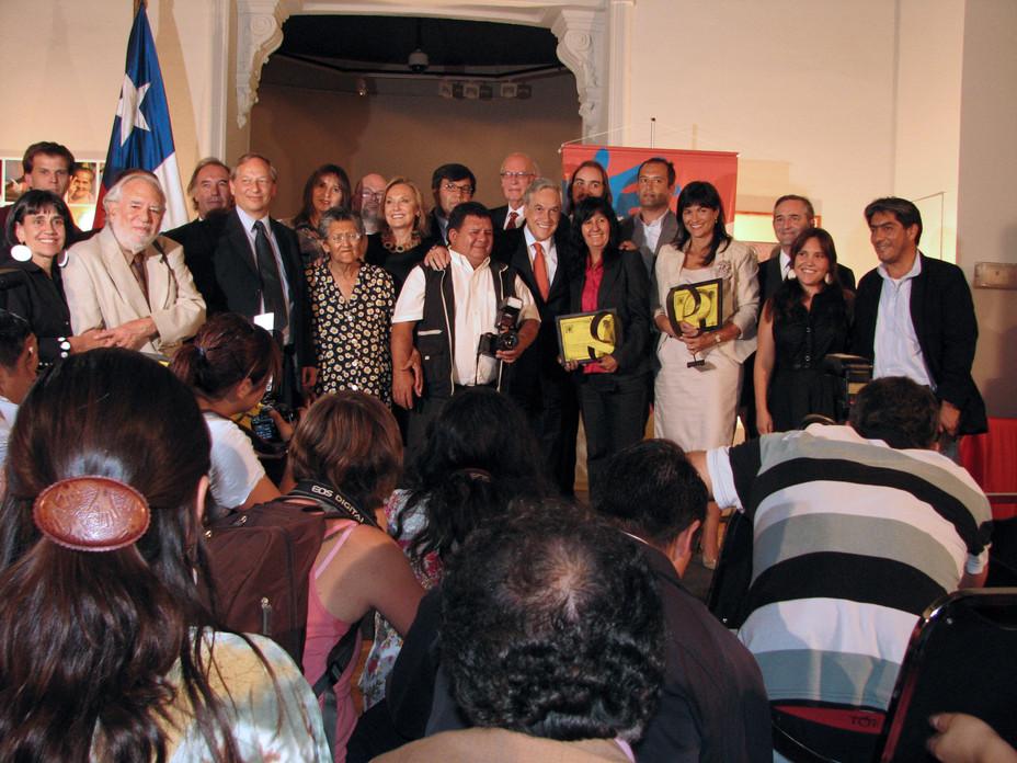 """Ceremonia de entrega """"premio de la ciudad"""" de Fundación Futuro para """"La Victoria de T"""