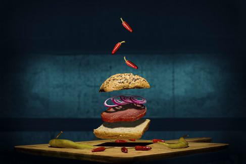 Fotomanipuliacija, fotomontažas, skraidantis burgeris