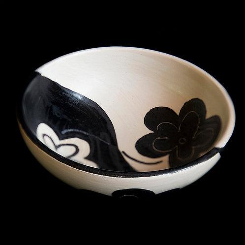 b&w flower bowl