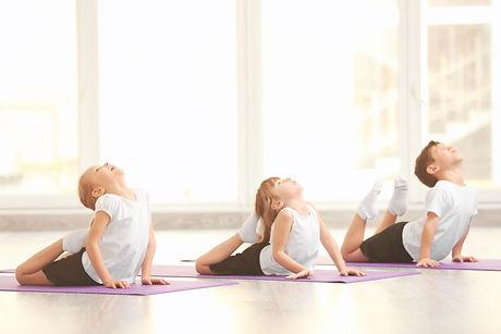 corso-di-yoga-per-bambini-880x587.jpg