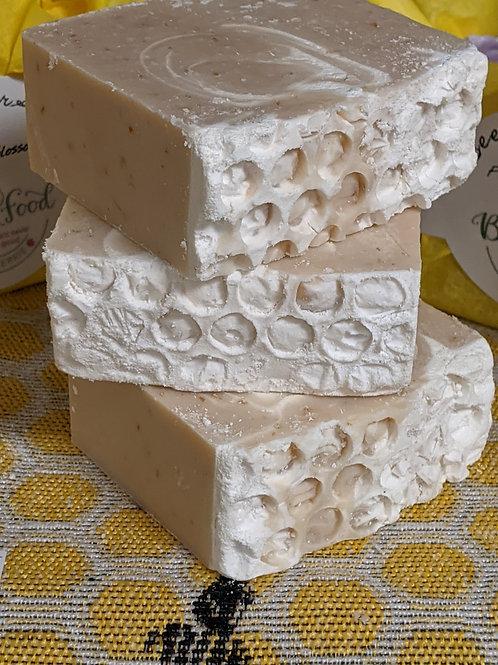 Beez' Bar - Body Food Soap - Honey Almond
