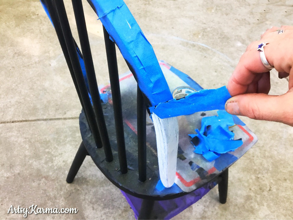 peel away masking tape after spray paint dries