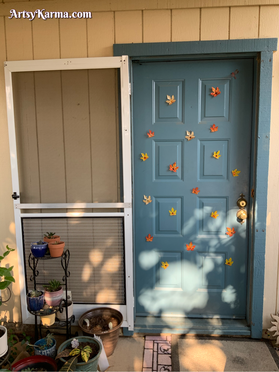 Beautiful leaf decorations for your front door