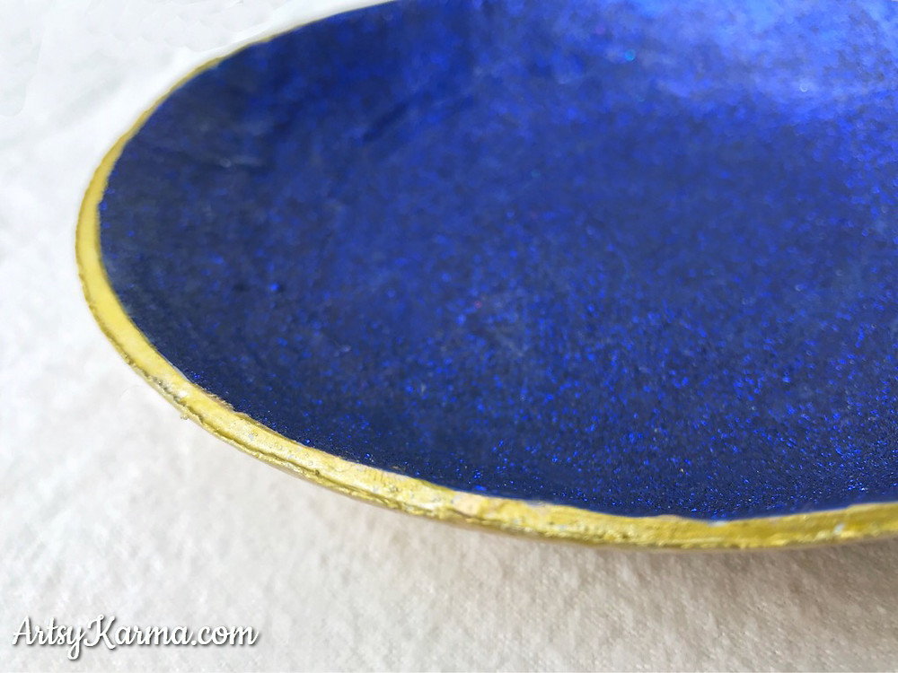 paint the edges of the diy ring dish