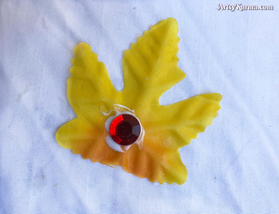 Adding rhinestones to your leaf decor
