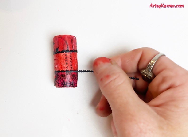 How to decorate old wine corks