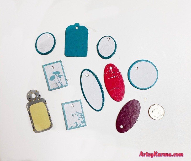 Use chipboard tags for jewelry