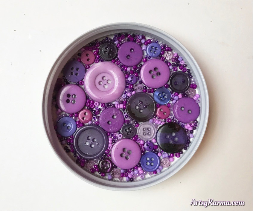 DIY with buttons and beads