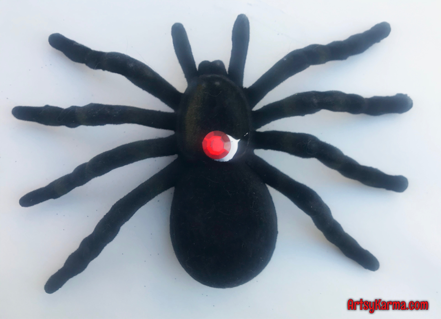 Making a diy black widow for halloween