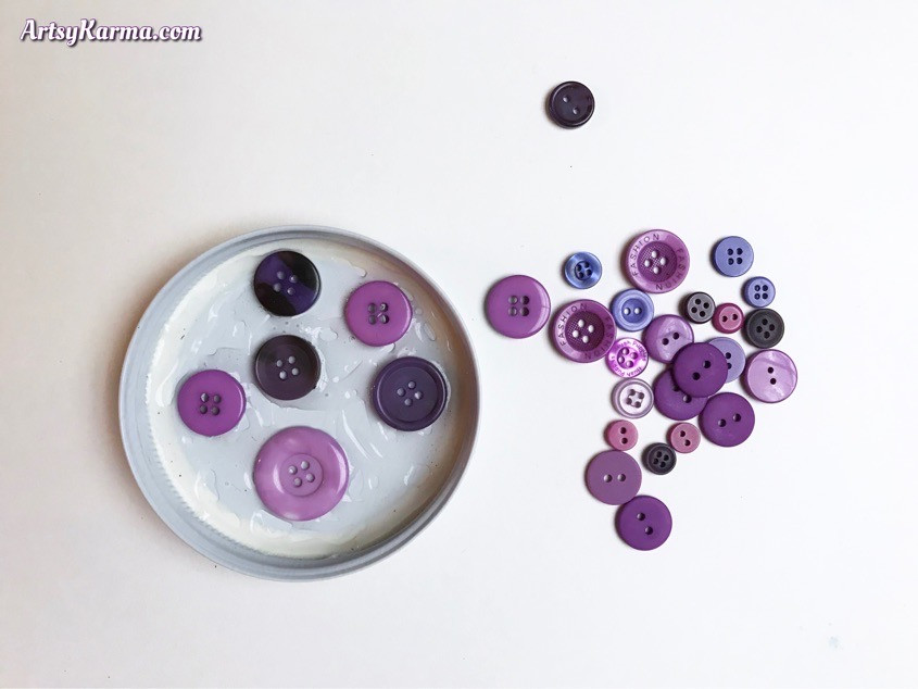 DIY craft that uses your buttons