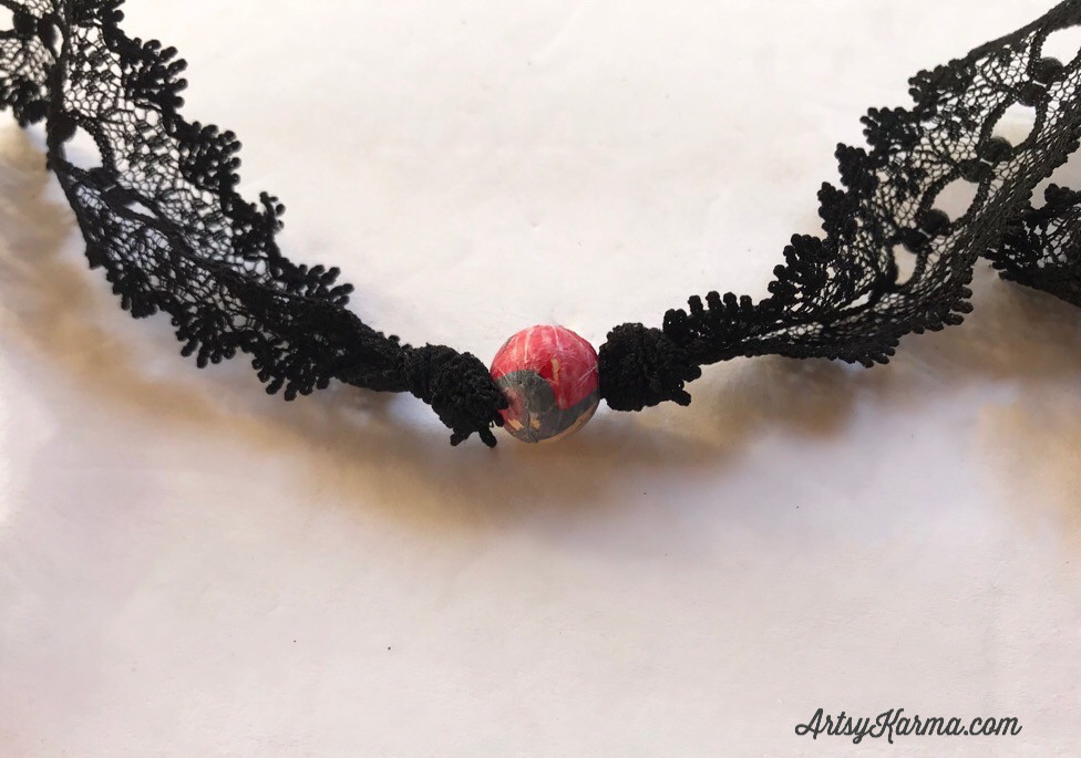 knotted bead lace necklace