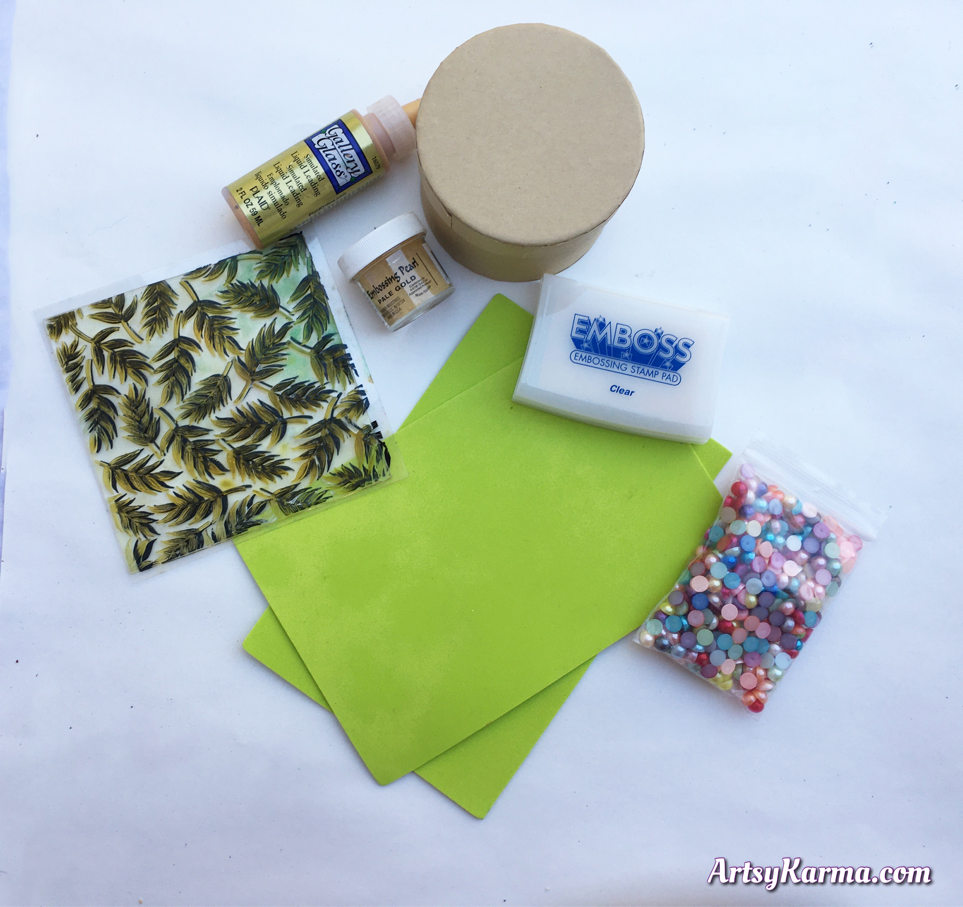 Supplies needed to craft a mosaic box