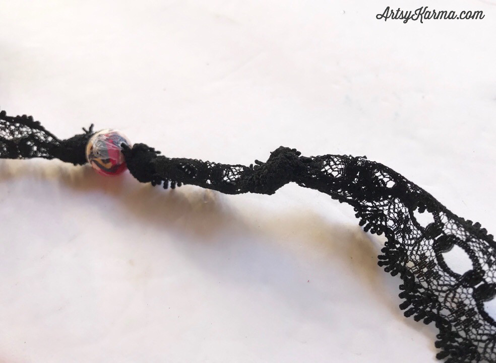 making knots in lace