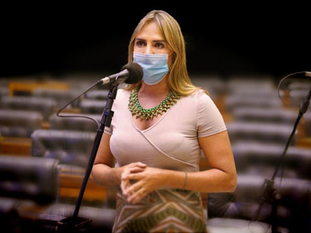 Deputada Celina Leão, do PP, ficou indignada com veto a absorventes gratuito a meninas pobres