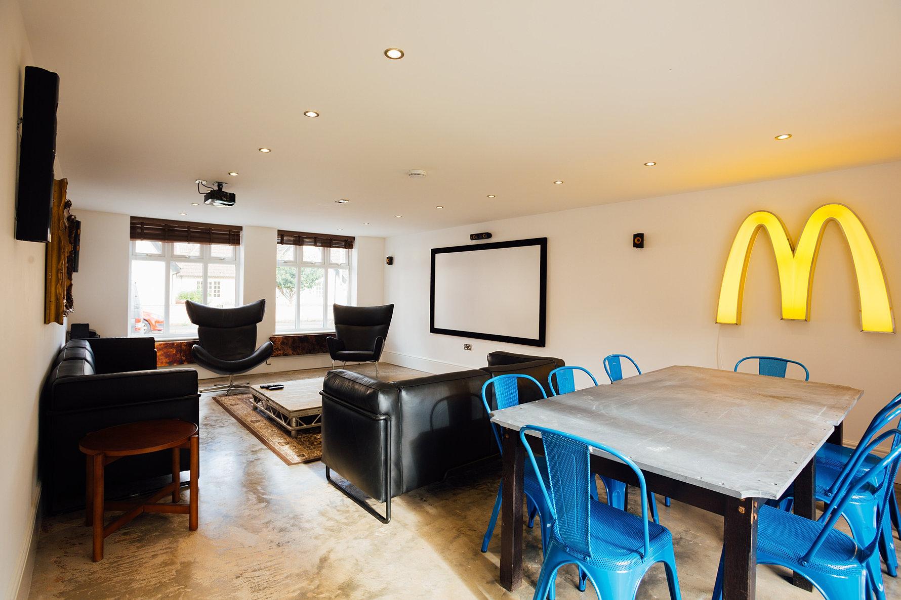 Student apartment living room - Living Room Cinema