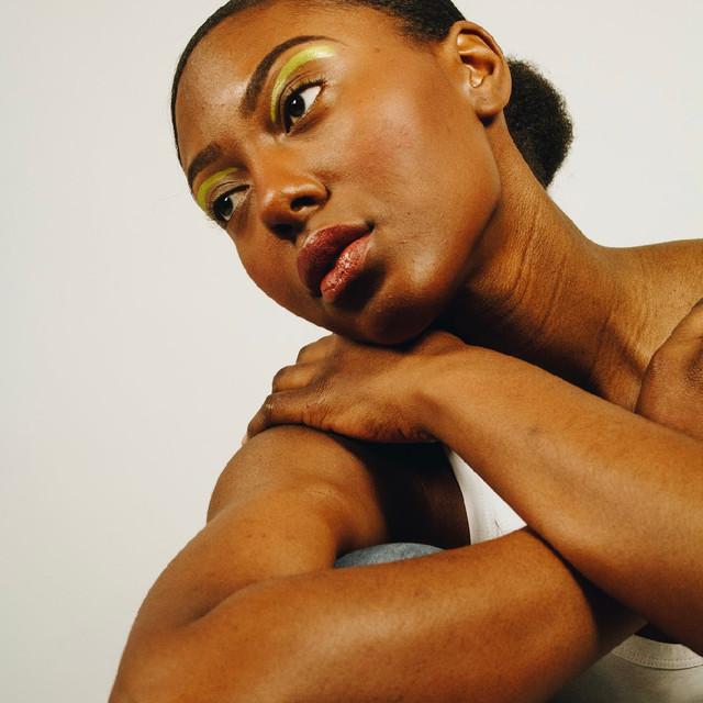 Photo: Andrea Zombori @andreazombori Makeup:  Lesley-Ann Maltar @lmaltar_beautypro Model:  Bri Wright @briwright