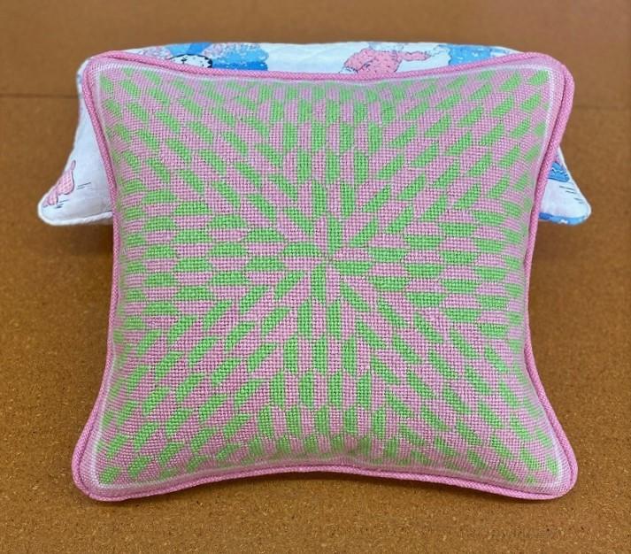 Knife edge throw pillow