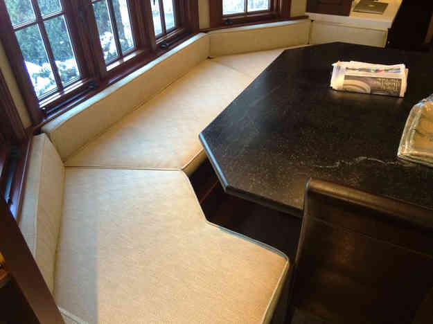 banquette seat 2.jpg