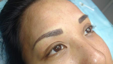 Shaded Eyebrows with Strokes