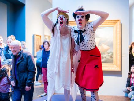 Les Clowns au musée de la carte postale de Baud