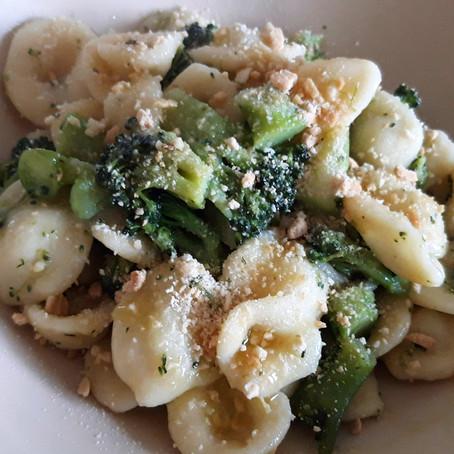 Broccoletti con orecchiette fatte in casa