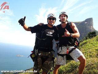 Hipertenção - Participante do programa da Globo, Léo voa de Parapente na Pedra Bonita com a Equipe A