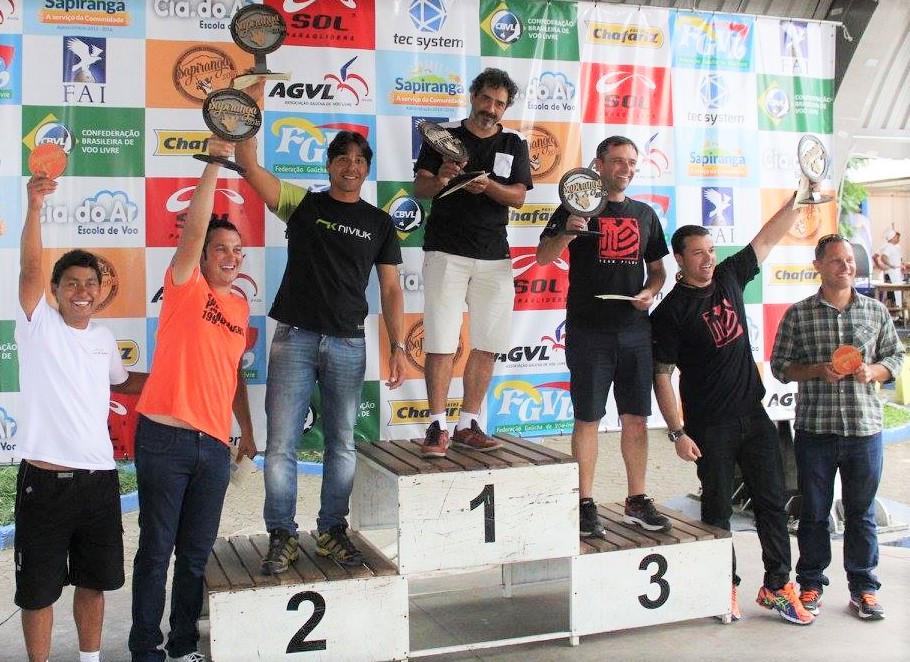 premiação campeonato brasileiro parapente 2015.jpg