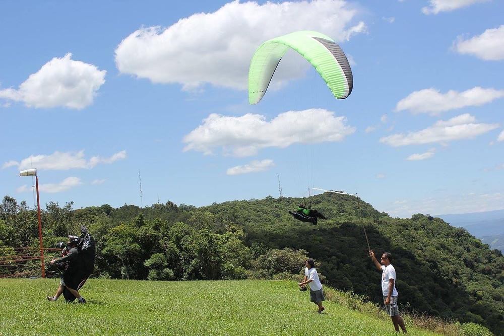 erico oliveira da actionfly rio no campeonato brasileiro parapente 2015.jpg