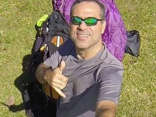 Enderson Mesquita da Equipe ActionFly Voo Livre Rio de Janeiro, destaca-se nas competições.