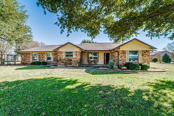 SOLD!! 5640 Shallow Creek Dr. Midlothian, TX 76065