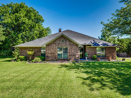 SOLD-Wanting acreage and a custom built home with a pool for under $400K?  Call ME!