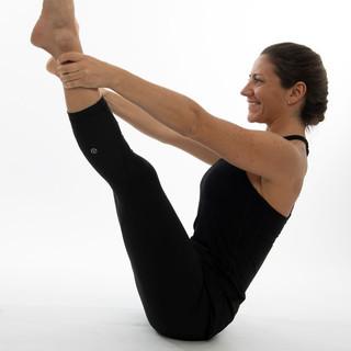 Ana Pernas Pilates mat teaser