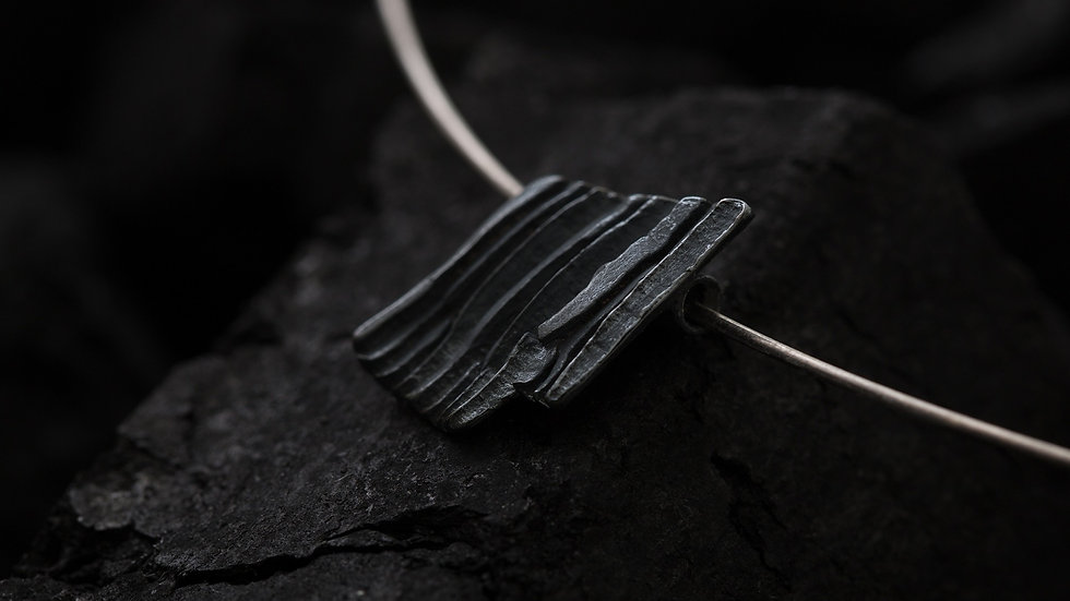 Calligraphy 墨摺 藏拙項鍊 Oxidized Silver Necklace -Concealing