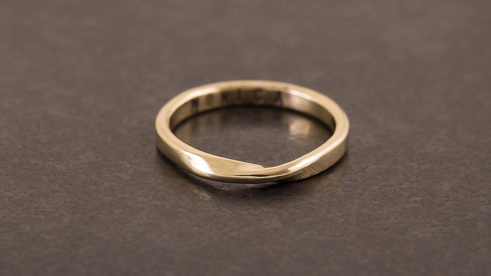 流水潺潺 黃銅戒指 (圓扁)   Round Twist Ring